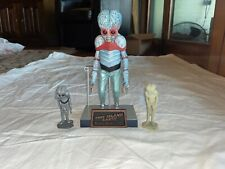 Universal Monsters Metaluna Mutant This Island Earth Sideshow Toys & 2 Statues