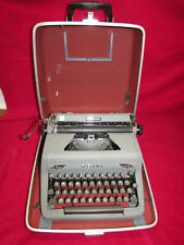 vintage Rare 1950 Royal Quiet De Luxe Gray Crinkle Portable Typewriter w/ Case