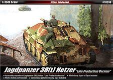 Academy 1/35 Plastic Model Kit Jagdpanzer 38(t) Hetzer #13230