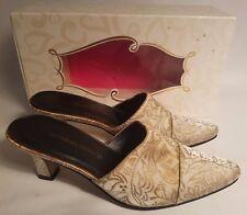 Victoria's Secret Brocade Kitten Mule Gold Slip On Shoes Heels Women's Small 6