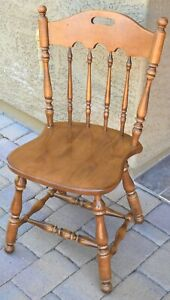 Ethan Allen Heirloom Nutmeg Maple Colonial Style Dining Side Chair 10-6002