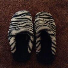 Girls Zebra Slippers Loafers Girls Size 3/4  Black/White Plush