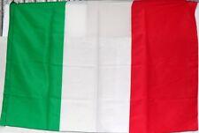 BANDIERA d'ITALIA TRICOLORE Tessuto Poliestere 85/90 x 135/140 c/passante x asta