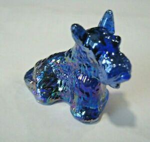 "COBALT BLUE CARNIVAL GLASS SITTING SCOTTISH TERRIER FIGURINE 2 1/4"" T"