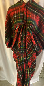 Tennessee Woolen Mills Wearable Blanket Wrap Snap Red Plaid Stadium Vtg USA
