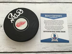 Mike Green Signed Autographed Detroit Red Wings Hockey Puck Beckett BAS COA a