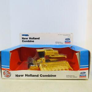 Ertl New Holland TR97 Combine Corn & Grain Head 1/64 NH-815-1HEO-B