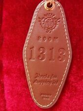 DISNEY HOLLYWOOD TOWER HOTEL LEATHER KEY RING NEW