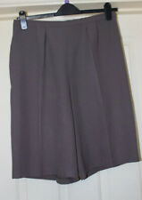 Pantalones cortos de visón marrón Talla 14 hecho a mano
