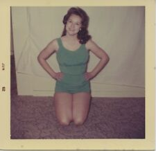 Vintage photo. SEXY HOUSEWIFE'S AMATEUR PINUP IN GREEN SWIMSUIT. #3.