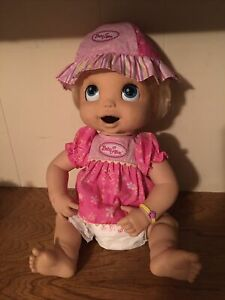 HASBRO 2006 Baby Alive Doll Including Accessories