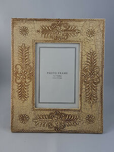 """White Coloured Hand Crafted, Painted Wooden Photo Frame, Photo size 5""""x7"""""""