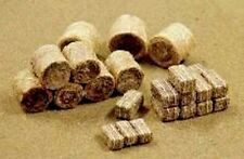 JTT SCENERY PRODUCTS HAY BALES 35/pk (15 round & 20 rectangular) HO SCALE