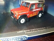 UNIVERSAL HOBBIES-LAND ROVER - LAND 90 DEFENDER SAPEURS POMPIERS FRENCH(214).