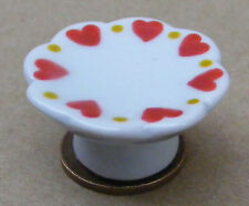 1:12 Scale White Cake Stand With A Heart Motif Dolls House Miniature NW64hl