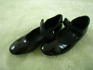 Girls' Shiny Black Patent Tap Shoes Freestyle by Danskin Size 1 used