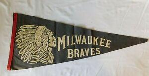 Rare 1940s MILWAUKEE BRAVES  Pennant Flag - Wisconsin  Baseball *Big Chief*