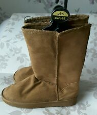 Ladies brown tan boots size 5 BNWT
