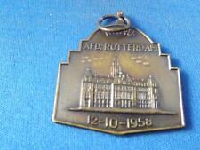 ROTTERDAM 12 10 1958  MEDAL PIN KEY CHAIN VINTAGE SOUVENIR PIN BUTTON COLLECTOR