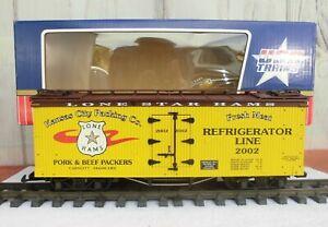USA TRAIN (R-16170)  BRAND NEW / NEVER USED - BILLBOARD REEFER (SMOKIN' DEAL!!)