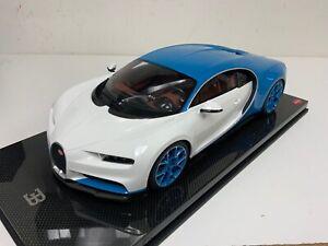 1/12 GT Spirit Kyosho Bugatti Chiron in white and Blue  KSR08664W-Z Carbon Base