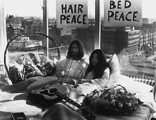 JOHN LENNON & YOKO ONO UNSIGNED PHOTO - 5727 - THE BEATLES