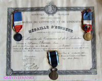 DIPLOME &  3 MEDAILLES  1932 ALGERIE BUGEAUD LIEGE - MEDAL AWARD