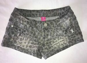 Women's Junior Almost Famous Jean Denim Mini Shorts Size 0 Leopard Print