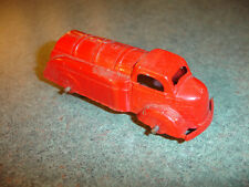Old Vtg Antique Collectible Diecast Tootsietoy Toy Rubber Wheels Red Truck USA