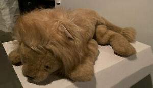 VINTAGE (1984) GUND COLLECTORS CLASSICS LIMITED-EDITION GOLDEN TAN LION PLUSH