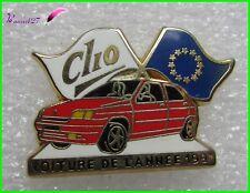 Pin's Voiture CLIO Voiture de l'année 1992  Arthus Bertrand #1887