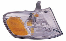 RIGHT Corner Light  Fits 2001-2002 Toyota Corolla 81511-02070 - NEW