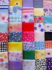 Lucky Dip Poly Coton Tissu Patchwork Quilting carrés 25PC faisceaux Crafts