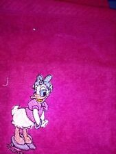 DAISY DUCK  LOVELY EMBROIDERED  2 PIECE  TOWEL GIFT SET/ALSO MICKEY/MINNIE/