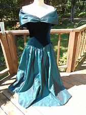 Vintage  Princess or Evil Queen Cosplay Costume Formal Prom Dress S / M