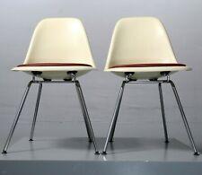 1 v. 2 Sidechair, Eames, Herman Miller/ Vitra Leder Parchment Fiberglass DSX