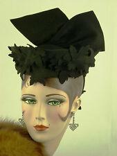 VINTAGE HAT 1930s BLACK FELT TILT TOPPER ELABORATE FELT CUT WORK & HUGE WING BOW