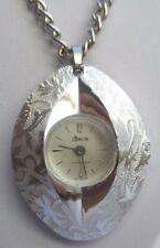 Bijou Vintage collier montre pendentif couleur argent signée SARAH COV 2419