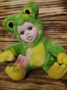 """RARE Babes in the Wild Series, """"Froggy"""" Plush Toy, Porcelain Face Frog"""