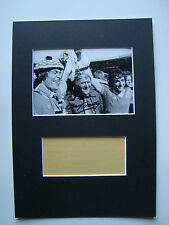 MANCHESTER UNITED TOMMY DOCHERTY HAND SIGNED A4 MOUNTED PHOTO DISPLAY- AFTAL COA