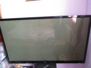 """écran plat LG 151cm """"mod 60 PK 250"""