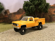1975 GMC 4x4 Service Truck Lifted 1/64 Diecast Custom Square Body M2 Chevy K10