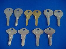 LOT OF TEN PIECE CLASSIC RENAULT PEUGEOT KEY BLANKS LOCKSMITH VINTAGE AUTO