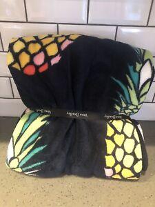 """NWT New Vera Bradley Plush Throw Blanket 80 x 50"""" Pineapple Toucan Party Navy"""