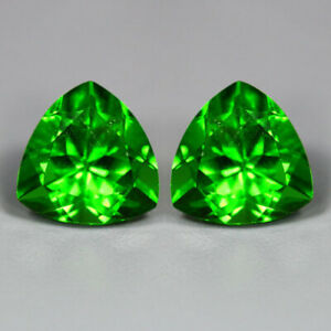 7.42 CTS_AMAZING MATCHING PAIR_100 % NATURAL UNHEATED PARROT GREEN MOLDAVITE