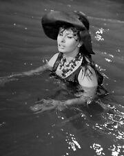 "SOPHIA LOREN IN ""THE MILLIONAIRESS"" - 8X10 PUBLICITY PHOTO (CC380)"