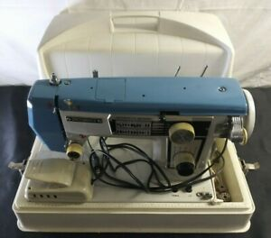 VINTAGE DRESSMAKER SEWING MACHINE WITH CASE (TESTED AND OPERATIONAL)