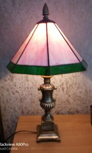 Pink tiffany style lamp. heavy table top lamp. Damaged..
