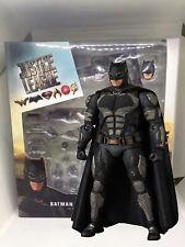MAFEX No.064 MAF 064  Batman TACTICAL SUIT Ver. JUSTICE LEAGUE Action Figure