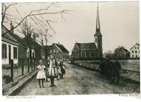 Ansichtskarte - Mülheim Dümpten - Straßenpartie mit Kindern/Evangelische Kirche